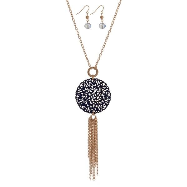 Wholesale gold necklace set navy blue wooden filigree circle pendant chain tasse