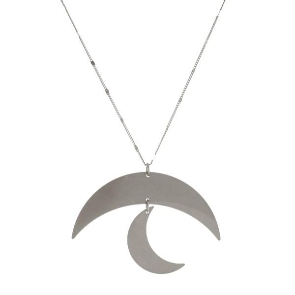 Wholesale long metal necklace moon pendant