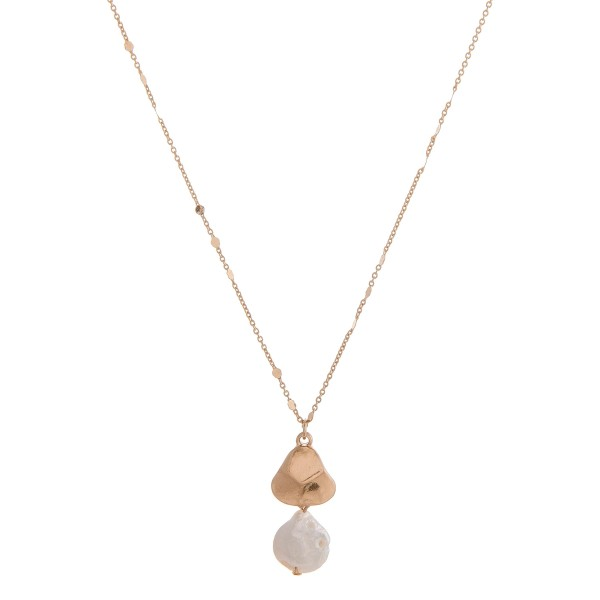 "Faux freshwater pearl pendant necklace.  - Pendant approximately 1"" in length and 1cm in diameter - Approximately 16"" in length overall with 3"" extender"
