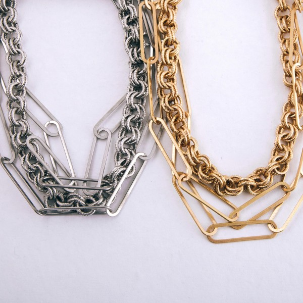 Chunky hera chain link layered short statement necklace.
