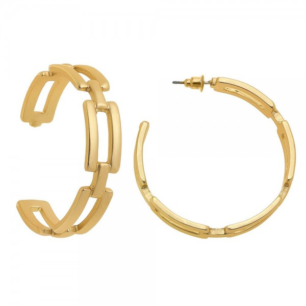 "Chain Link Hoop Earrings in Matte Gold.  - Approximately 2"" in diameter"