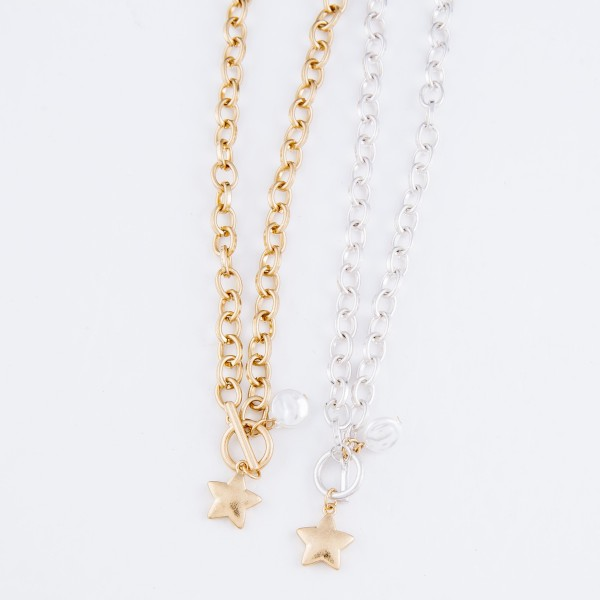 "Chain Link Ivory Pearl Star Necklace in Gold.  - Front Toggle Bar Closure - Approximately 16"" L"