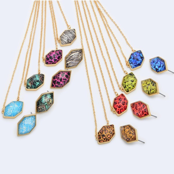 """Crystal Animal Print Pendant Necklace.  - Pendant .75""""  - Approximately 16"""" in Length - 3"""" Adjustable Extender"""