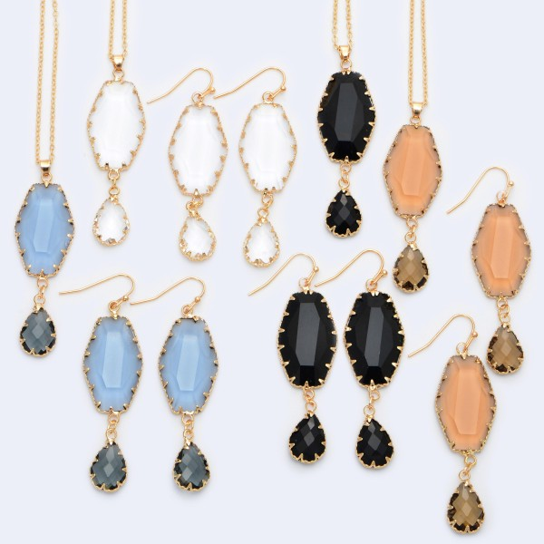 """Crystal Teardrop Pendant Necklace in Gold.  - Pendant 2""""  - Approximately 20"""" in Length - 3"""" Adjustable Extender"""