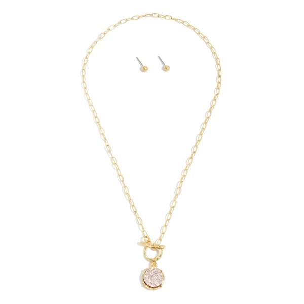 """Druzy Toggle Bar Necklace in Gold.  - Pendant .5""""  - Approximately 18"""" in Length"""