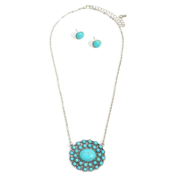 """Silver Western Necklace Featuring Turquoise Accents and Matching Stud Earrings.  - Necklace Approximately 8"""" in Length - Stud Earrings Approximately .5"""" in Diameter"""