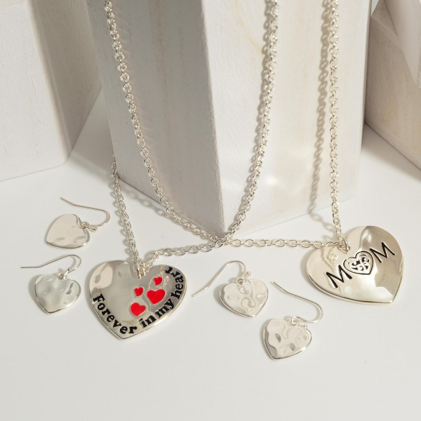 """Silver Chain Necklace Featuring Heart Pendant that Says """"Mom"""".   - Approximately 18"""" Long - Adjustable 3"""" Extender"""