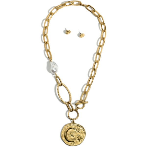 """Chain Link Necklace Featuring Faux Pearl Accent and Crescent Moon Pendant.   - Approximately 18"""" Long"""