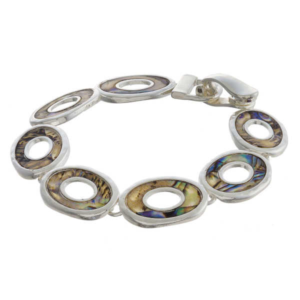 """Metal bracelet with mix pearl detail. Approximate 7"""" in length."""