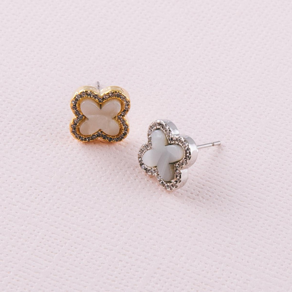 Cubic zirconia clover stud earrings. Approximately 1cm in size.