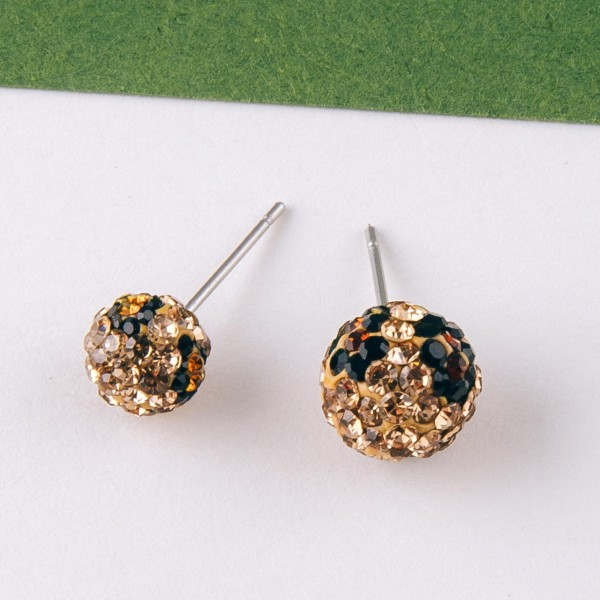 Leopard print rhinestone stud earring set of two.  - Smallest pair approximately 7mm in diameter  - Biggest pair approximately 10mm in diameter