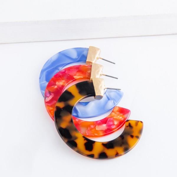 """Resin Tortoise hoop earrings.  - Approximately 2"""" in diameter"""