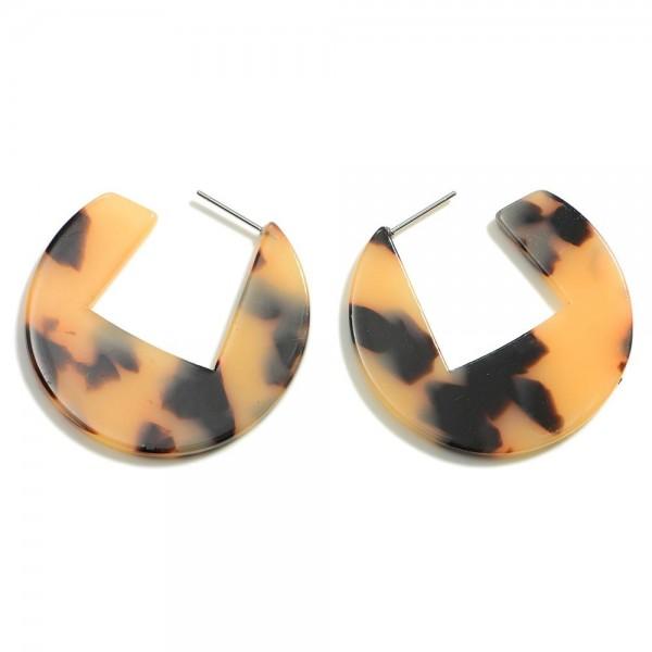 "Resin Tortoise Geometric Hoop Earring  - Approximately 1.5"" Diameter"