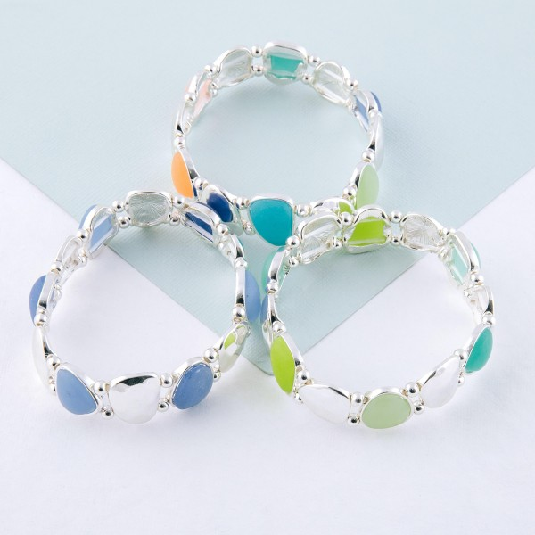 """Hammered sea glass stretch bracelet.   - Approximately 3"""" in diameter unstretched - Fits up to a 7"""" wrist"""