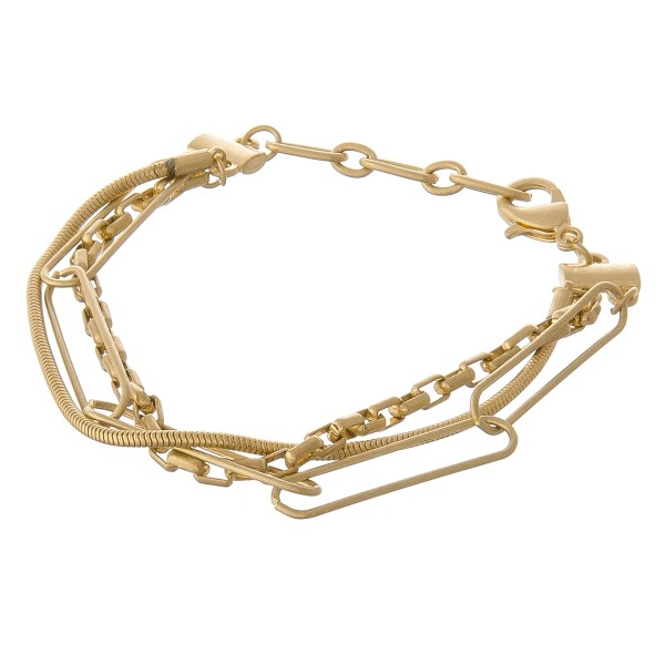 "Hera link box chain bracelet.   - Lobster clasp - Adjustable 1"" extender - Approximately 3"" in diameter - Fits up to an 8"" wrist"