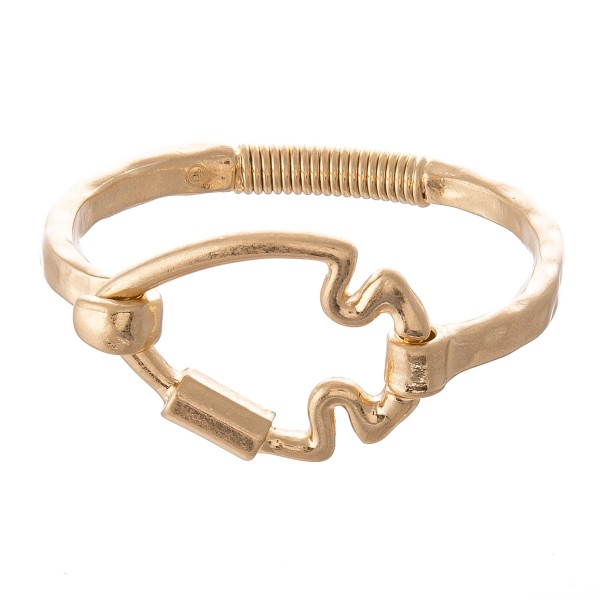 """Arrow Carabiner Spring Hinge Bangle Bracelet.  - Arrow Focal 1.5""""  - Approximately 3"""" in Diameter - Fits up to a 6"""" Wrist"""