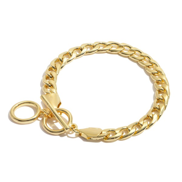 """Curb Chain Link Toggle Bar Bracelet in Gold.  - Approximately 3"""" in Diameter - Adjustable Toggle Bar Closure"""