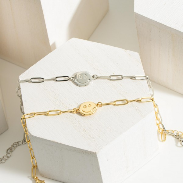 """Chain Link Anklet Featuring Smiley Face Pendant.   - Approximately 4"""" Long"""