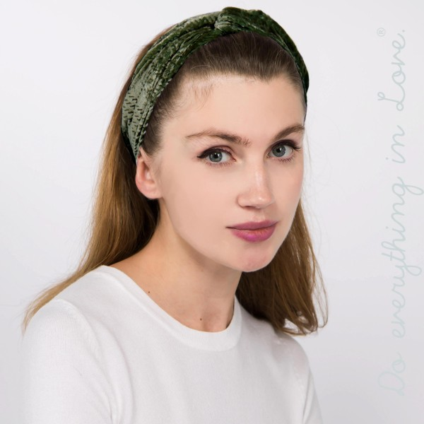 Do everything in Love brand velvet knotted headwrap.  - One size fits most - 80% Polyester, 20% Nylon