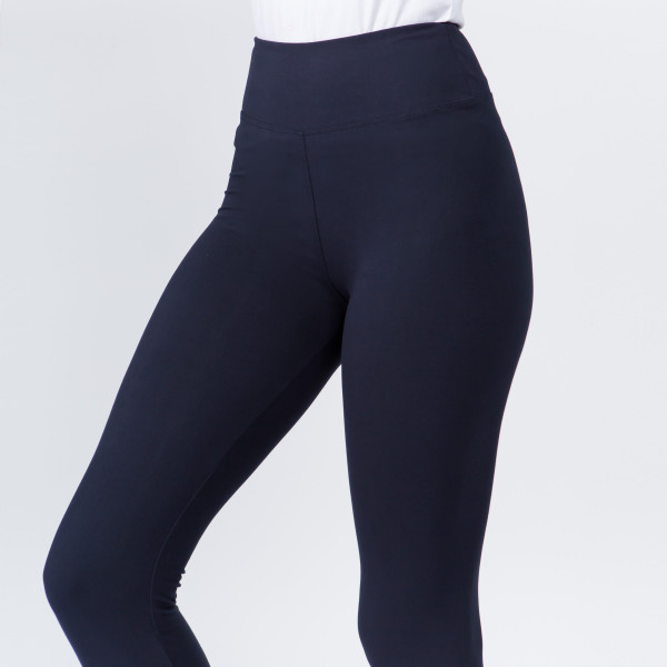 """New Mix brand solid seamless peach skin capri leggings.  - 3"""" high rise waistband - Inseam approximately 18"""" L  - 92% Polyester, 8% Spandex"""