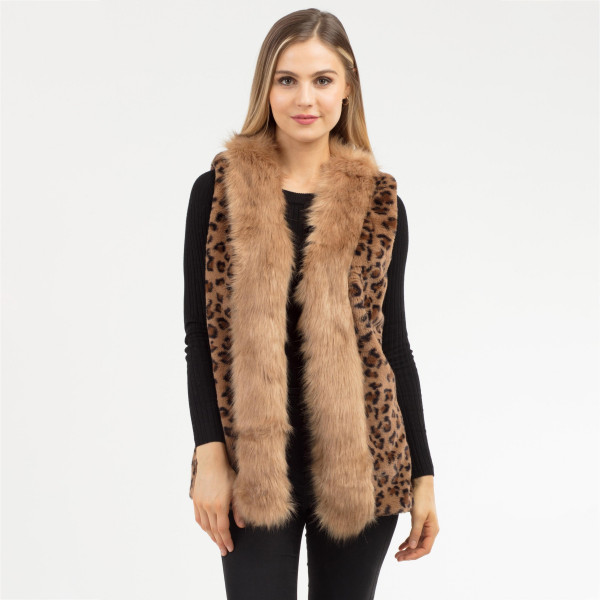 """Women's Faux Fur Leopard Print Vest with Pockets.  - One size fits most 0-14 - Approximately 25"""" Long  - 100% Polyester"""