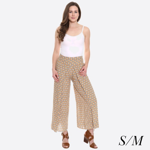 "Women's Geometric Flower Print Palazzo Pants.  - 4"" Elastic Waistband - Size: S/M - Inseam approximately 27"" L - 100% Viscose"