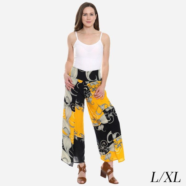 "Women's Geometric Floral Palazzo Pants.  - 4"" Elastic Waistband - Size: L/XL - Inseam approximately 27"" L - 100% Viscose"