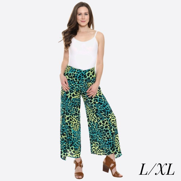 "Women's Leopard Print Palazzo Pants.  - 4"" Elastic Waistband - Size: L/XL - Inseam approximately 27"" L - 100% Viscose"