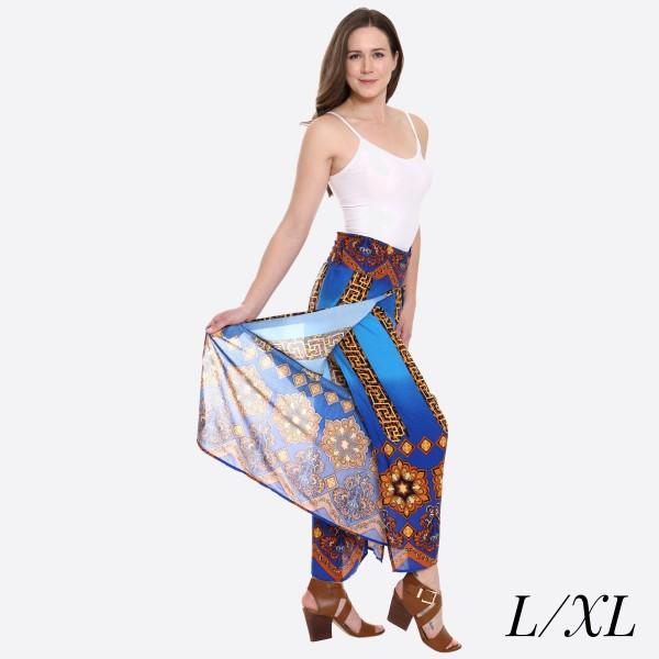 "Women's Blue Geometric Animal Print Palazzo Pants.  - 4"" Elastic Waistband - Size: L/XL - Inseam approximately 27"" L  - 100% Viscose"