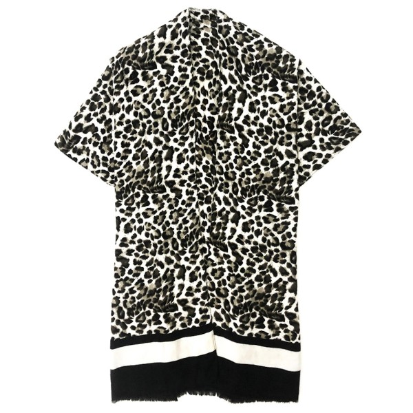 """Do everything in Love Brand Lightweight Leopard Print Bordered Kimono.  - One size fits most 0-14 - Approximately 37"""" L  - 100% Polyester"""