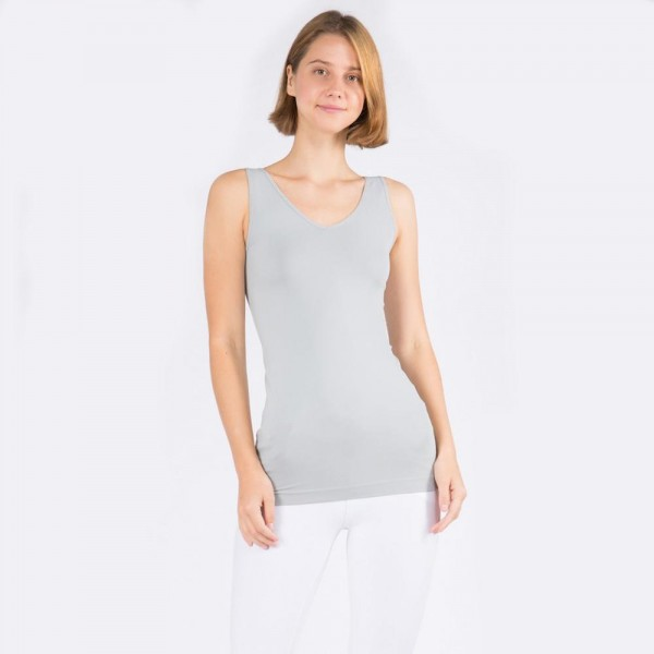 Wholesale women s Seamless Reversible V Neck Tank Top o shoulder straps o V neck