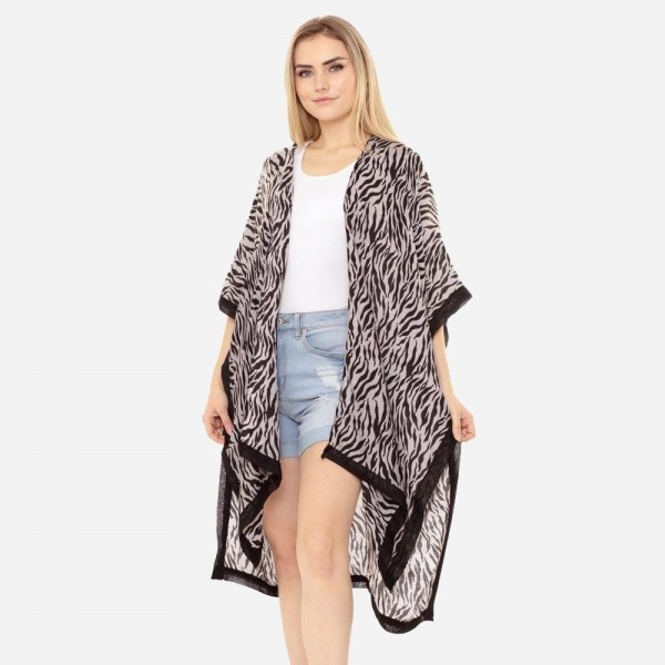Wholesale women s Lightweight Tiger Stripe Kimono One fits most Polyester