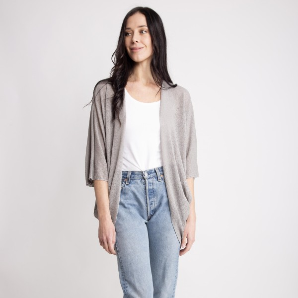 """Women's Lightweight Knit Kimono/Cardigan.  - One size fits most 0-14 - Approximately 30"""" L - 100% Polyester"""