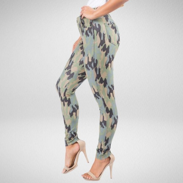 Full Length Camo Print Jeggings  • Lightweight, breathable cotton-blend material for all day comfort • Belt loops with 5 functional pockets • Super Stretchy • Shake Head Button • Pull up Style  Composition: 70% Cotton, 25% Polyester, 5% Spandex  Pack Breakdown: 6pcs/pack. 2S: 2M: 2L