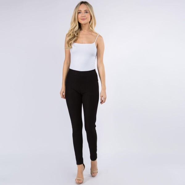 "Women's New Mix Brand Denim Leggings.   - 1"" Elastic Waistband  - Pull-On Styling  - Two Functional Back Pockets - Soft, Smooth & Stretch Material  - ONE SIZE FITS MOST 0-14 - Inseam 27"" Long  - 75% Cotton / 17% Polyester / 8% Spandex"