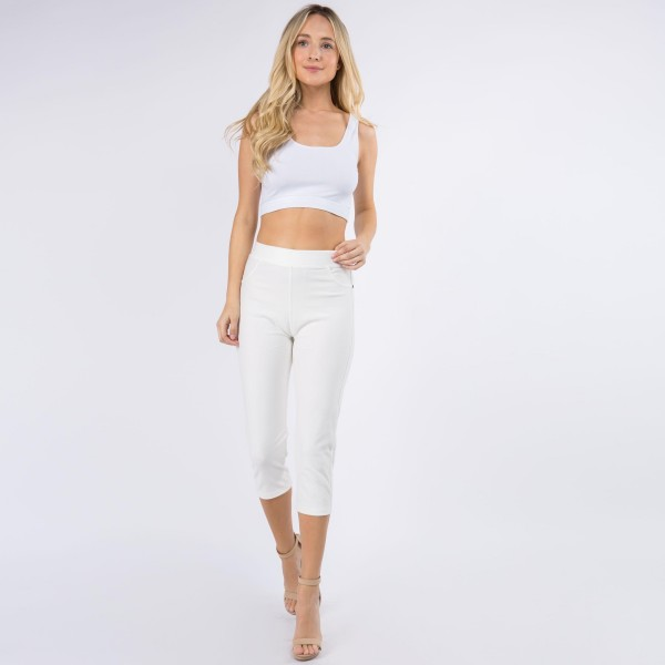 "Women's New Mix Brand Capri Jeggings.   - 1"" Elastic Waistband  - Pull-On Styling  - Two Functional Back Pockets - Soft, Smooth & Stretch Material  - ONE SIZE FITS MOST 0-14 - Inseam 19"" Long  - 75% Cotton / 17% Polyester / 8% Spandex"