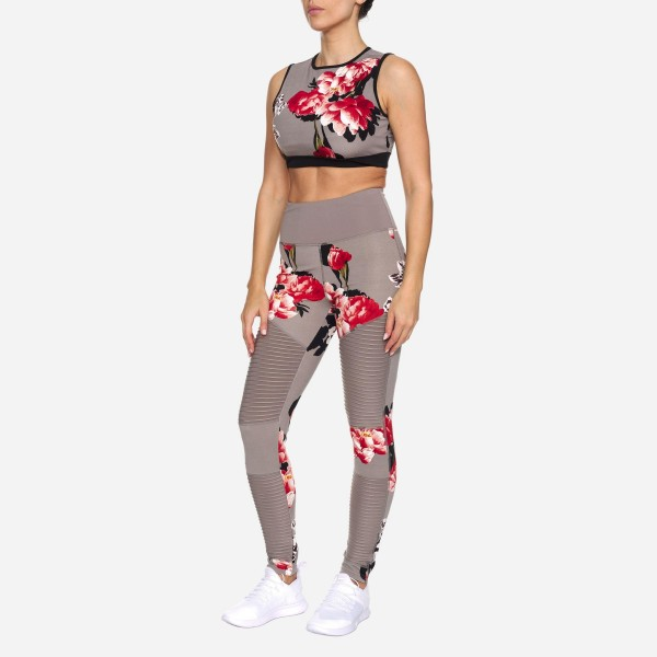 Floral Print Women's Active Sports Bra Featuring Cut Out Detail on the Back. (6 Pack)  - Features Elastic Band For Added Support - Includes Padded Lining on Inside for Complete Coverage - Spandex Compression Fit - Breathable Moisture Wicking Fabric - 6 Sports Bras Per Pack - Sizes: 1-S, 2-M, 2-L, 1-XL