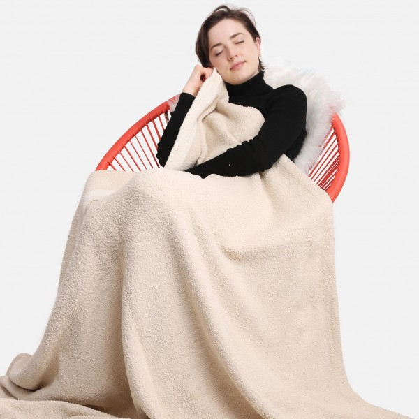 """Super Soft Comfy Luxe Knit Blanket. The Softest Throw Blanket Made of the Highest Quality Material. So Soft You Have to Feel Them for Yourself. This Luxurious Throw is a Guaranteed Best Seller this Season!   - Approximately 50"""" W x 60"""" L -100% Polyester  - Extra Plush and Cozy"""