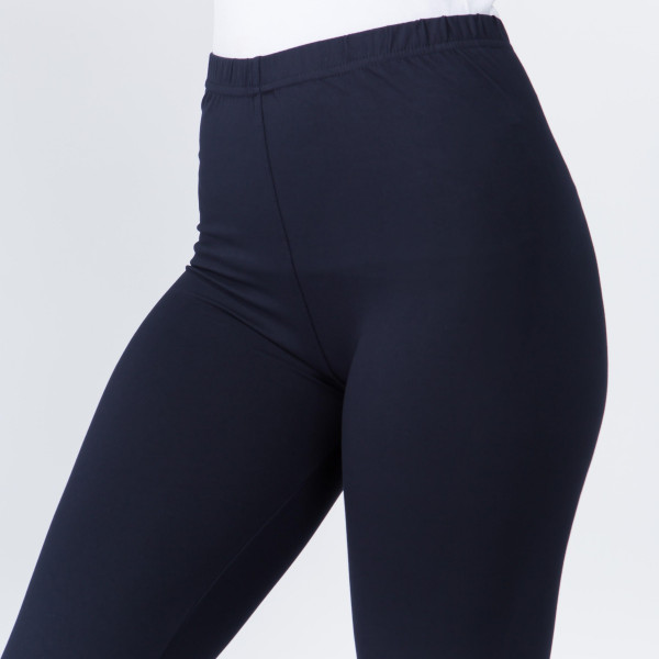 """Women's New Mix Brand Solid Peach Skin Leggings.  - 1"""" Elastic Waistband - Full-Length - Inseam approximately 28"""" - One size fits most 0-14 - 92% Polyester 8% Spandex"""