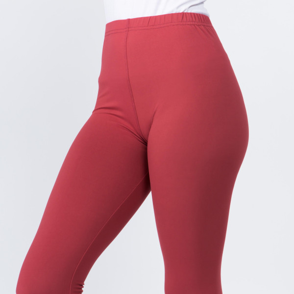 "Women's New Mix Brand Solid Peach Skin Leggings.  - 1"" Elastic Waistband - Full-Length - Inseam approximately 28"" - One size fits most 0-14 - 92% Polyester 8% Spandex"