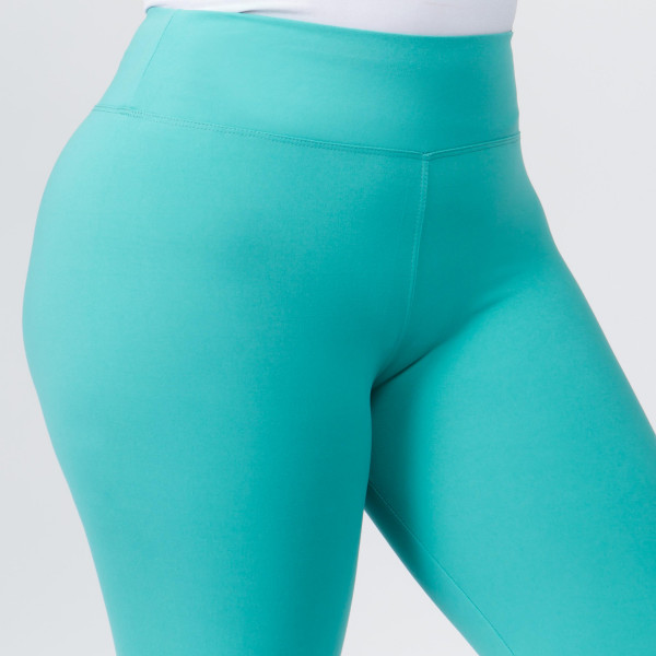 """Women's Plus Size New Mix Brand Solid Peach Skin Leggings.  - 3"""" Elastic Waistband - Full-Length - Inseam approximately 28""""  - One size fits most plus 16-20 - 92% Polyester / 8% Spandex"""