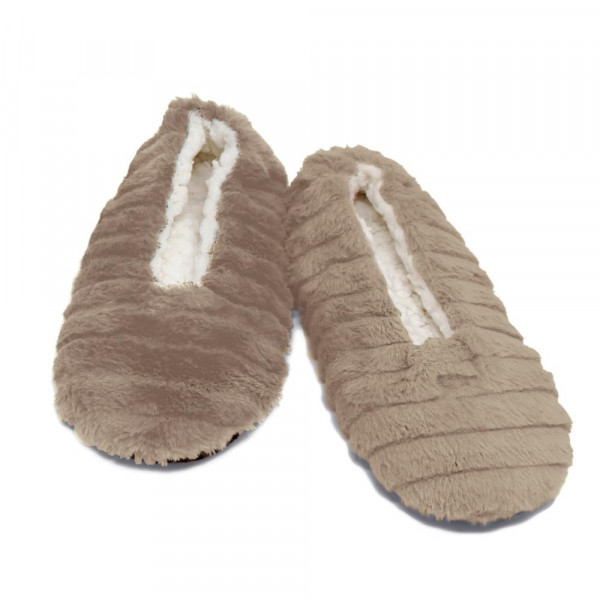 Sherpa Lined Faux Fur Indoor Slippers.  - Fits Small Approximately (5-6)  - 100% Polyester