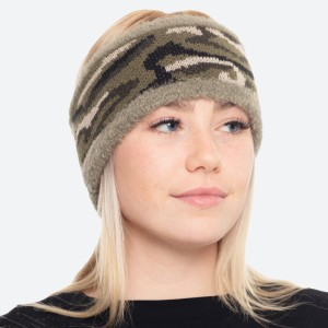 """Super Soft Fuzzy Knit Lined Camouflage Headwrap.  - One size fits most  - 4"""" Band Width - 100% Polyester"""