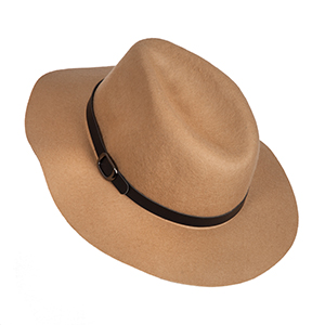 Tan wool hat with faux leather buckle. 100% wool.