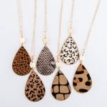 Wholesale metal Encased Giraffe Print Teardrop Pendant Necklace Gold Pendant L A